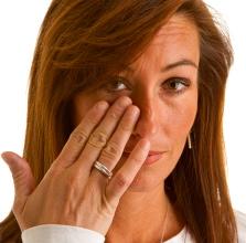 Digitopuntura para eliminar las bolsas debajo de los ojos